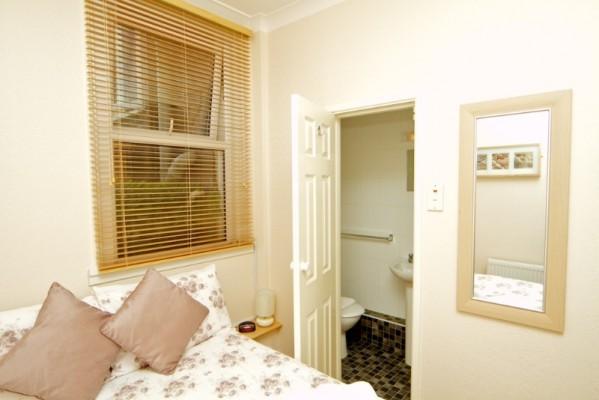 room-2-599x400