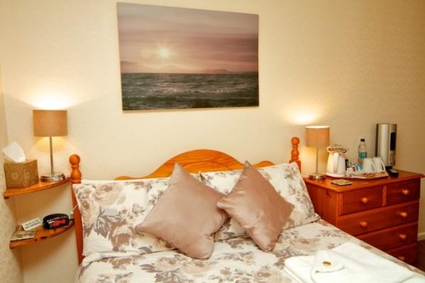 room-3-599x400