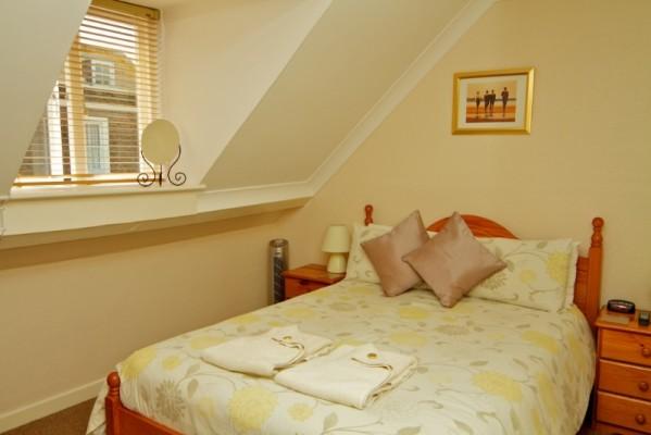 room-6-599x400