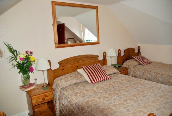 The-Bay-Guest-House-Weymouth-668-595x400