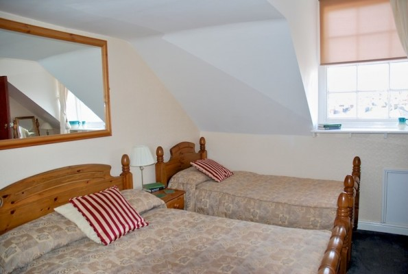 The-Bay-Guest-House-Weymouth-669-595x400