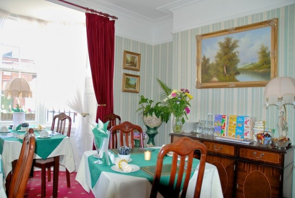 The-Bay-Guest-House-Weymouth-670-595x400