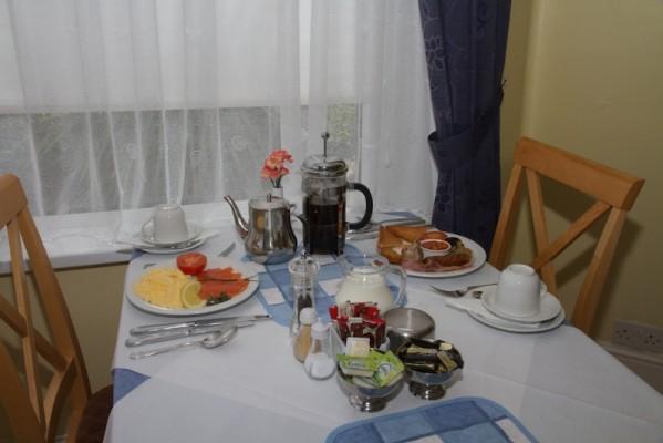 Lounge-Dining-Food-184-599x400