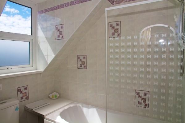 bathroom-187-599x400