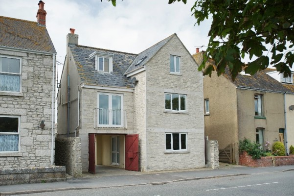 Contemporary cottages weymouth tourist information and for Modern house holiday lets