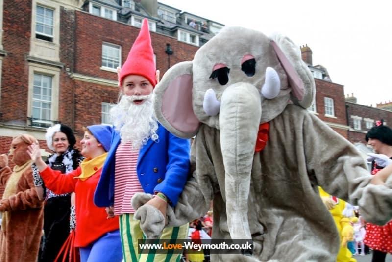 weymouth-carnival-procession-2013-274